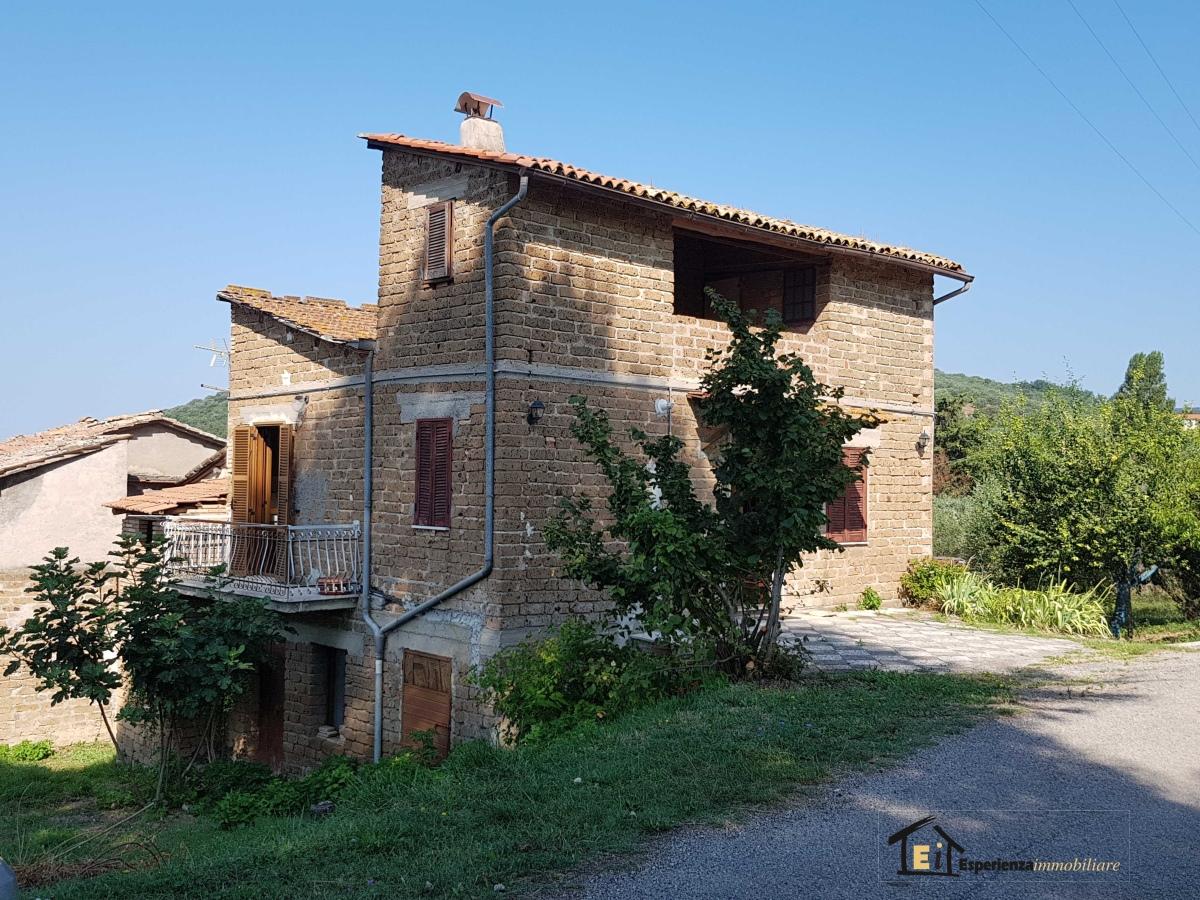Villa vendita TORRI IN SABINA (RI) - 4 LOCALI - 180 MQ