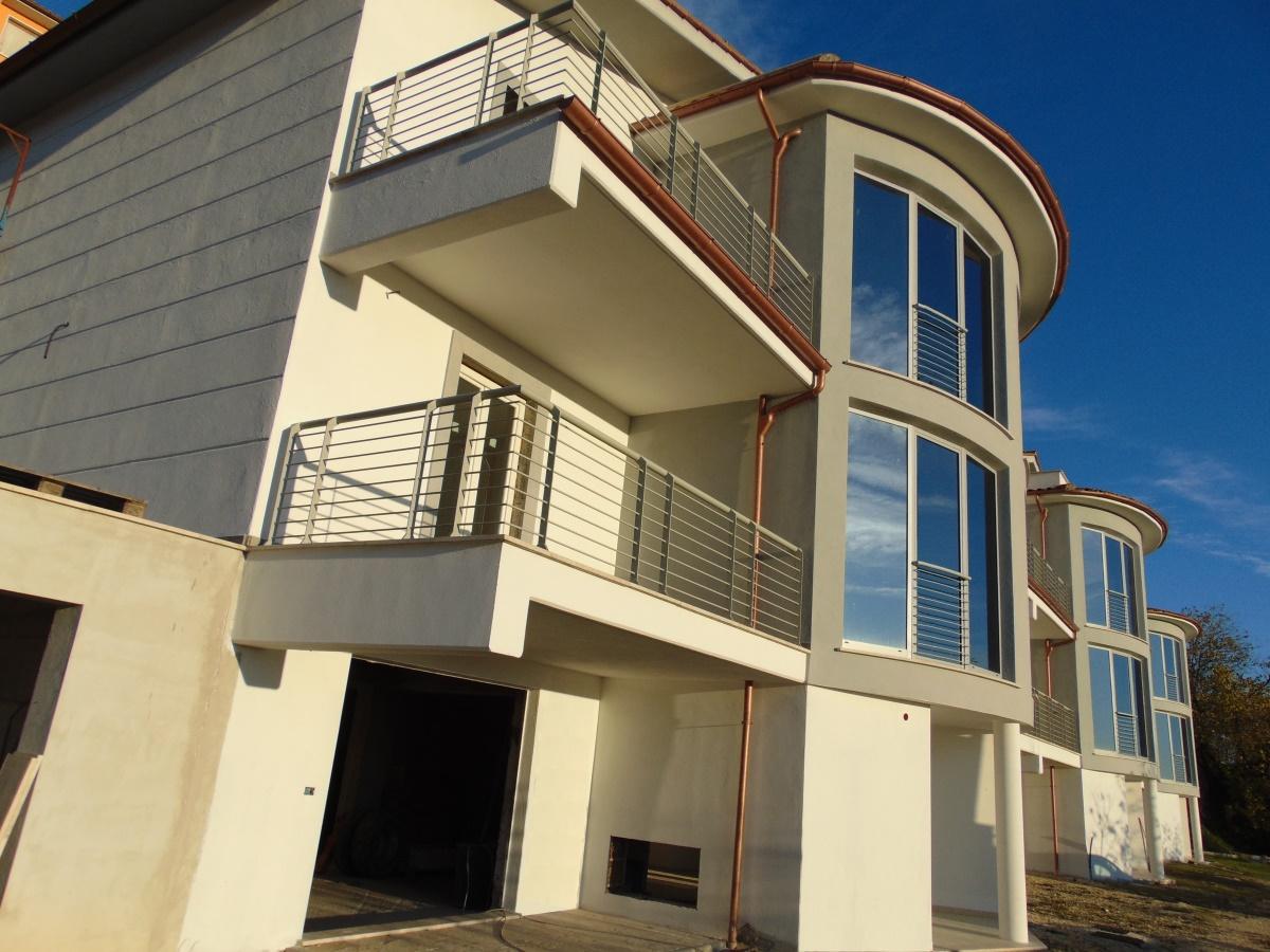 Vendita appartamenti stimigliano appartamento con for Appartamenti con planimetrie