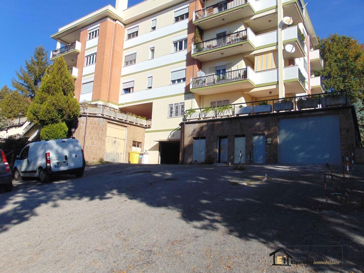 Box/auto vendita MONTOPOLI DI SABINA (RI) - 1 LOCALI - 18 MQ