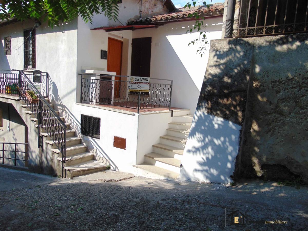 Appartamento vendita POGGIO MIRTETO (RI) - 2 LOCALI - 45 MQ