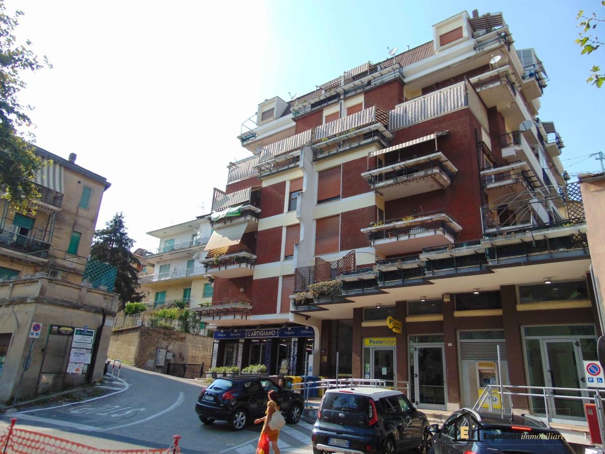 Appartamento affitto Poggio Mirteto (RI) - 2 LOCALI - 90 MQ