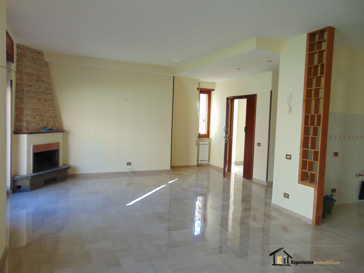 Appartamento affitto Poggio Mirteto (RI) - 4 LOCALI - 90 MQ