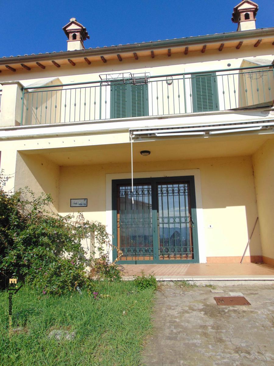 Villa affitto Forano (RI) - 3 LOCALI - 80 MQ