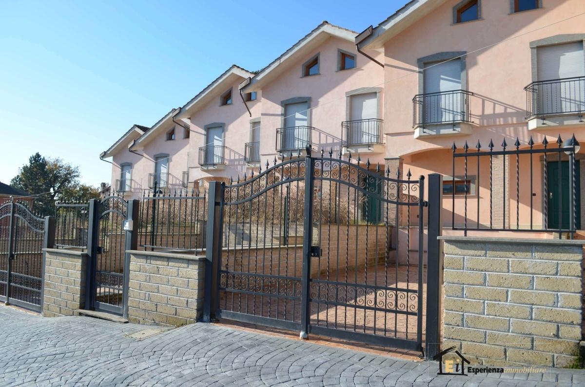 Villa vendita FORANO (RI) - 4 LOCALI - 90 MQ