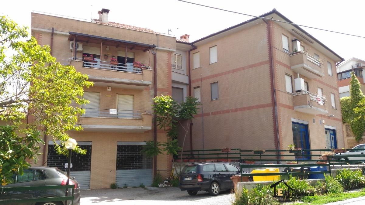Appartamento affitto Forano (RI) - 3 LOCALI - 75 MQ