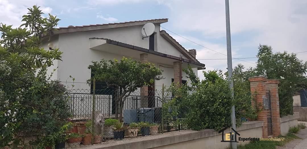 Appartamento Montopoli di Sabina RI1093359