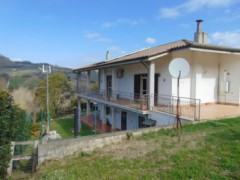 Semi-detached villa with garden - 3