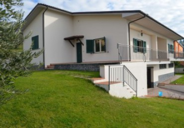 INDEPENDENT VILLA WITH AFFACTS ON THE HISTORICAL BACKGROUND