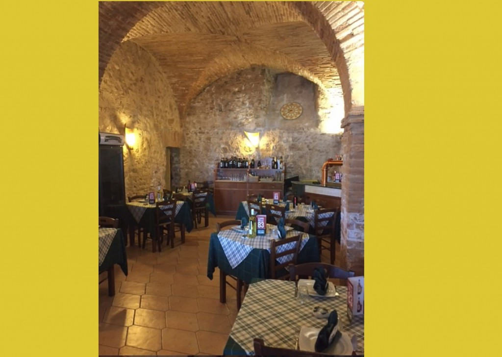 Sale LICENSES AND BUSINESS 'BUSINESS Poggio Mirteto - Restaurant in the Centre of Poggio Mirteto Locality