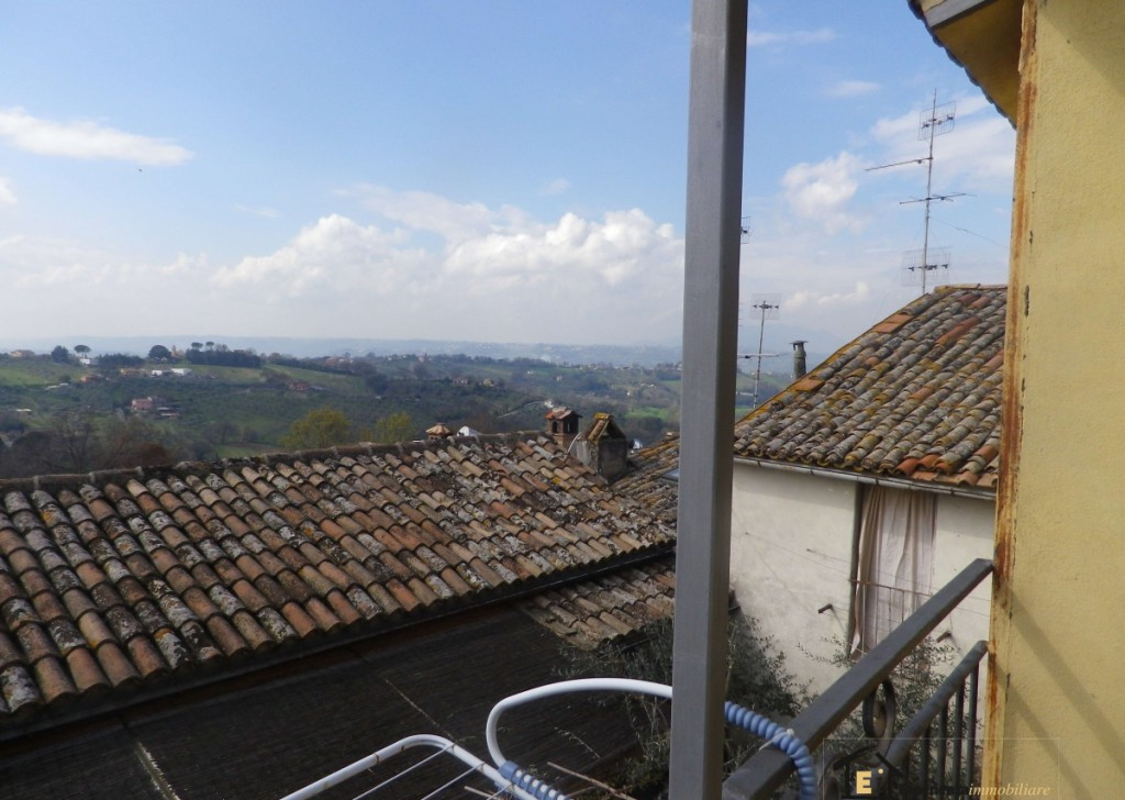 Sale Apartment with indipendet entrance Poggio Mirteto - APARTMENT WITH VIEW AND BALCONY  Locality