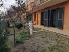 TWO-ROOMED APARTMENT WITH GARDEN NEAR TRAIN STATION - 2