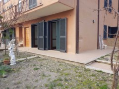 TWO-ROOMED APARTMENT WITH GARDEN NEAR TRAIN STATION - 1
