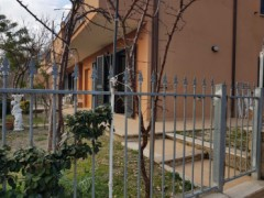 TWO-ROOMED APARTMENT WITH GARDEN NEAR TRAIN STATION - 6