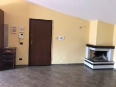 Apartment with Large Terrace with Independent Entrance - 4